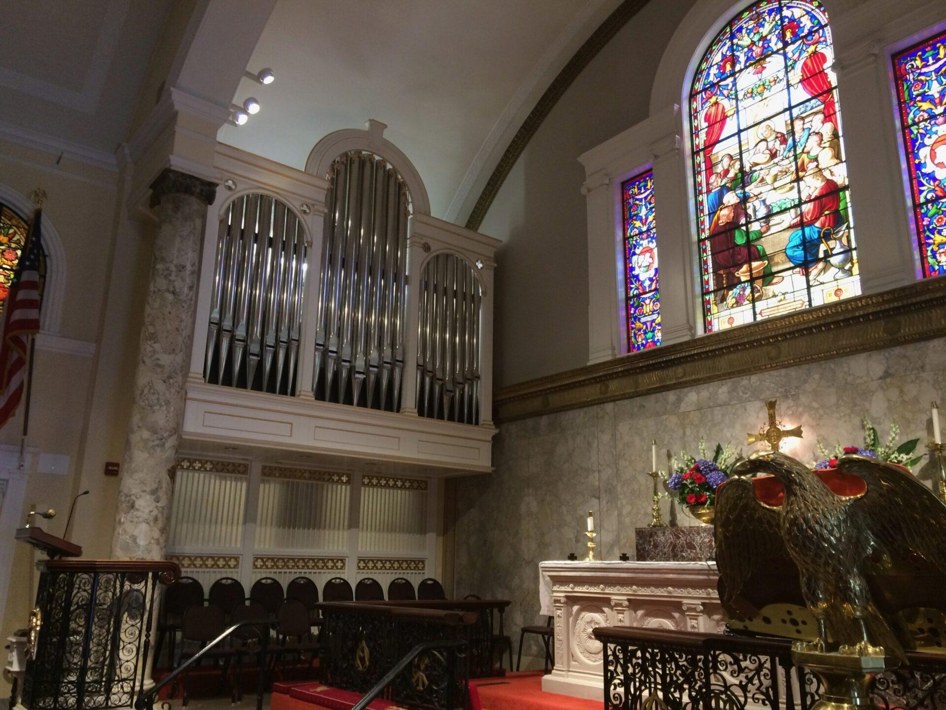 セント・ジョン教会のパイプオルガン